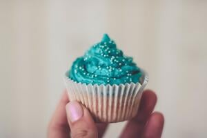 StockSnap_YLML6DQ3PM_Cupcake_StartSmall_BP